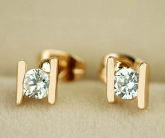 Small stud earrings gold plated - Bathbodybeyond